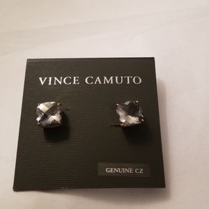 Vince Camuto posts